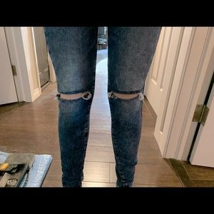 American Eagle Hi-rise Jeggings ripped size 00
